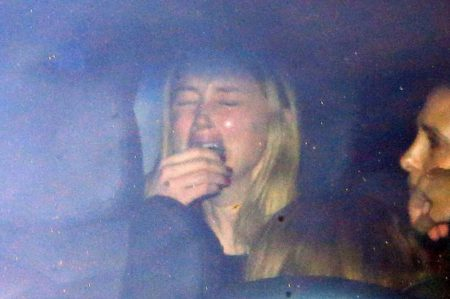 PAY-Amber-Heard-crying-in-car-after-leaving-court