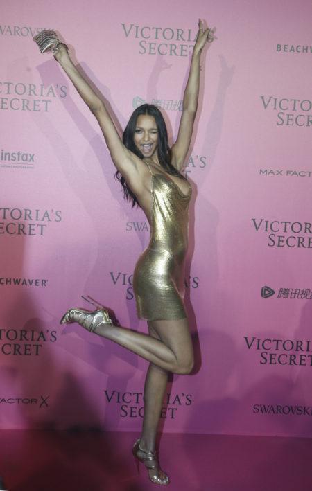 lais-ribeiro-victoria-secret-fashion-show-after-party-red-carpet