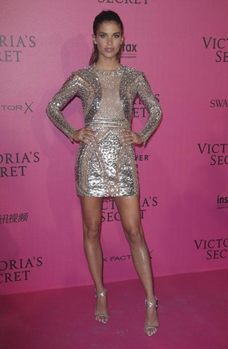 sara-sampaio-victoria-secret-fashion-show-after-party-red-carpet