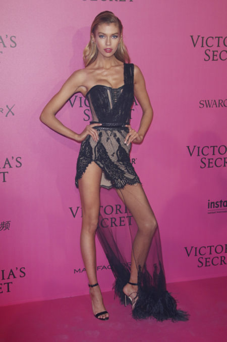 stella-maxwell-victoria-secret-fashion-show-after-party-red-carpet