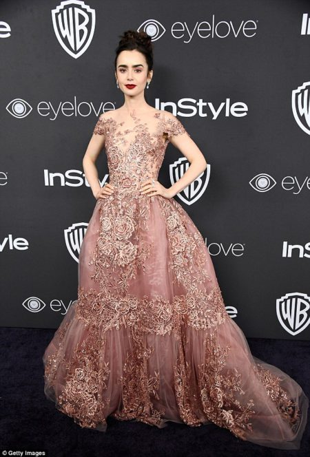 lilly_collins_stayed_in_her_ethereal_rose_embe-a-66_1483953114953