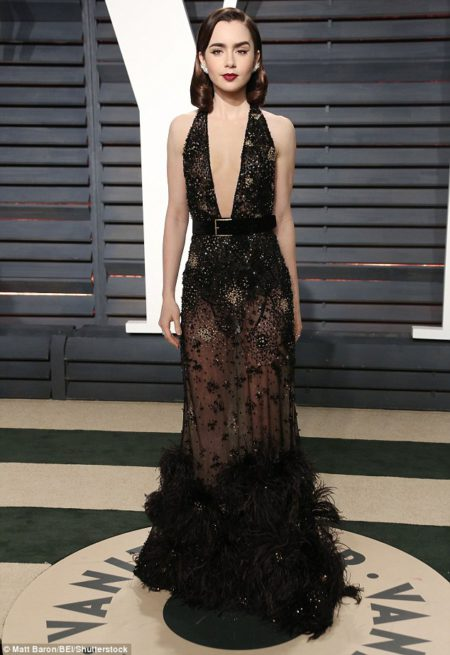 lily_collins_27_looked_ravishing_in_a_shee-m-45_1488189247618